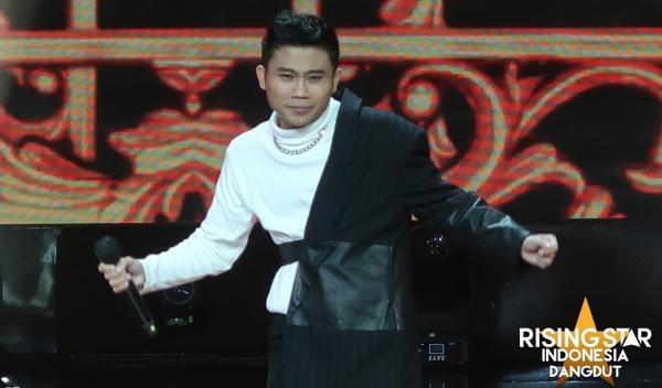 Ivan Gunawan dan Hetty Koes Endang Janjikan Cincin Tunangan serta Tiket Resort untuk Ali Rising Star Dangdut