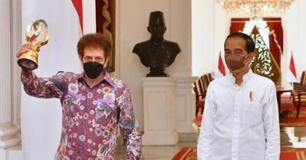 Jokowi Dukung Konser Virtual Godbless, Ahmad Albar Idolanya di Masa Remaja