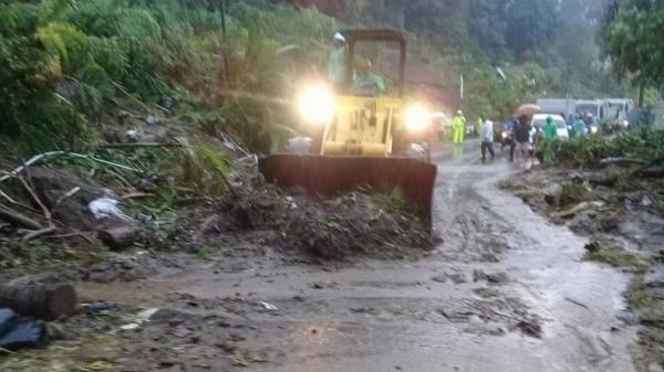 Longsor Timbun 6 Rumah di Mamuju usai Diguyur Hujan, Warga Harap Bantuan