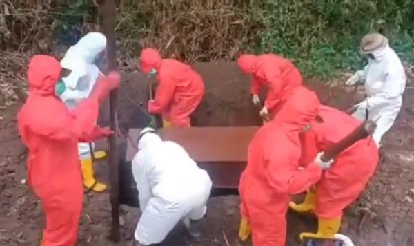 MCW Sebut Ada Pemotongan Honor Petugas Pemakaman Jenazah Covid-19 di Malang