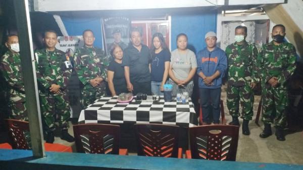 Danpomdam XIII/Merdeka Bersama Tim Temui Orang Tua Prada Chandra Gerson Kumaralo di Langowan