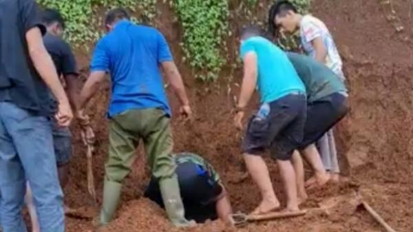 Aksi Heroik 2 Babinsa Selamatkan Nyawa Warga Tertimbun Longsor di Manado