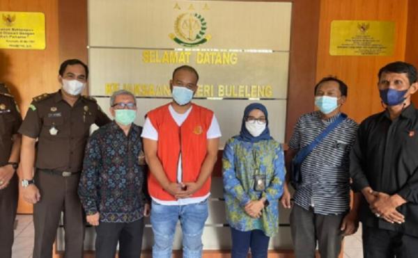 DJP Bali Serahkan Terduga Pengemplang Pajak Rp1,3 Miliar ke Kejari Buleleng