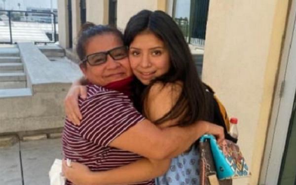 Mengharukan, Perempuan Ini Bertemu Lagi dengan Ibunya setelah 14 Tahun Diculik