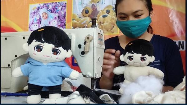 Boneka K-Pop Buatan UMKM Malang Sukses Tembus Pasar Internasional