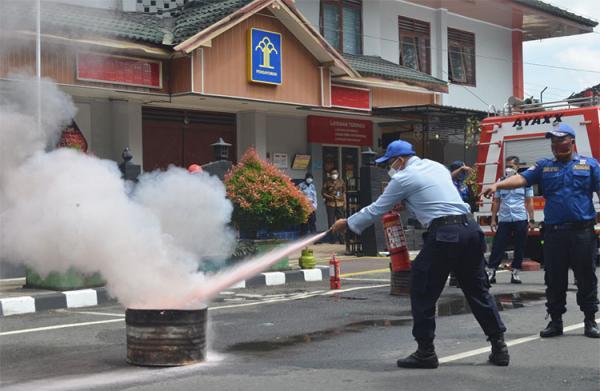 Antisipasi Kebakaran, Rutan Kelas IIB Wates Gelar Simulasi Pemadaman