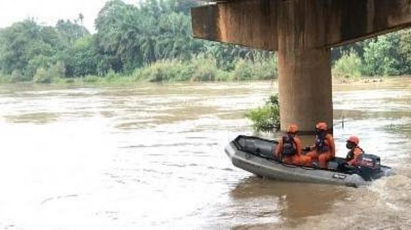 Lompat ke Sungai saat Digerebek Polisi, Terduga Pengguna Narkoba Ditemukan Tewas