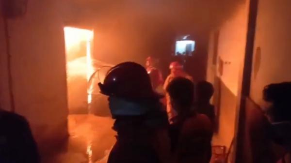 Kebakaran di Pasaman, Rumah dan Motor Milik Pedagang Ludes Dilalap Api