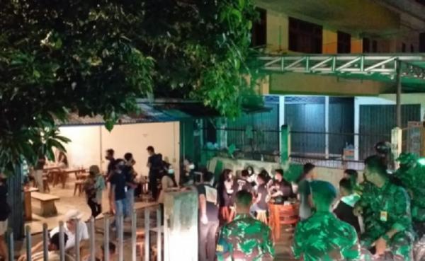 Satpol PP Belitung Bubarkan Kerumunan di Kedai Kopi yang Lewati Jam Operasional