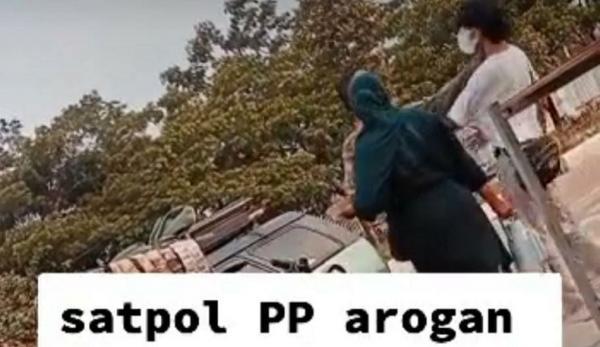 Viral, Oknum Satpol PP Diduga Arogan saat Penertiban Padagang di Stadion Pakansari