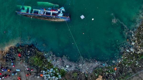 Kapal Terbalik, 10 Penumpang Tewas 5 Hilang
