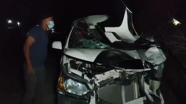 Minibus Tabrak Truk di Pantura Indramayu, Ibu Hamil 7 Bulan Tewas