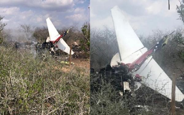 Pesawat Jet Angkatan Udara Jatuh ke Permukiman, Pilot Tersangkut Kabel Listrik
