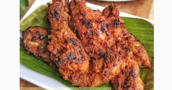 Cara Membuat Ayam Bakar Bumbu Rujak, Pedas Manis Bikin Ketagihan