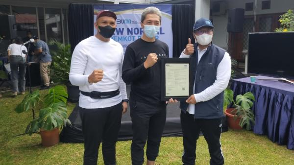 Kementerian BUMN Serahkan Sertifikat ke RSUD Bogor dan Perumda Pasar Pakuan Jaya