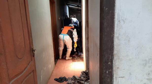 Beberapa Hari Tak Keluar Rumah, Duda di Tasikmalaya Ditemukan Tewas Membusuk di Dapur