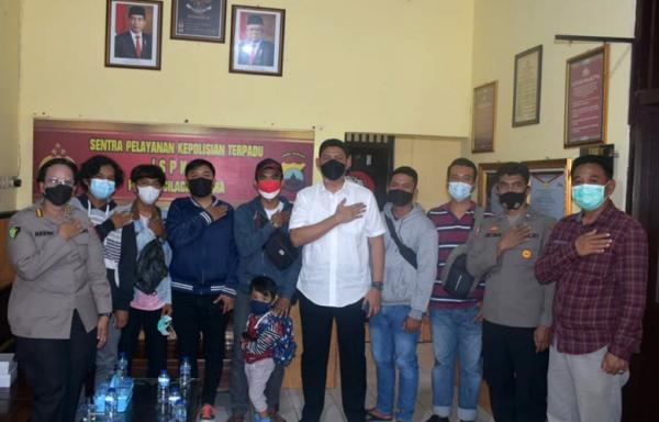 Polisi Fasilitasi Aspirasi Pekerja Migran ke Disnakertrans saat Kunjungan Jokowi di Cilacap