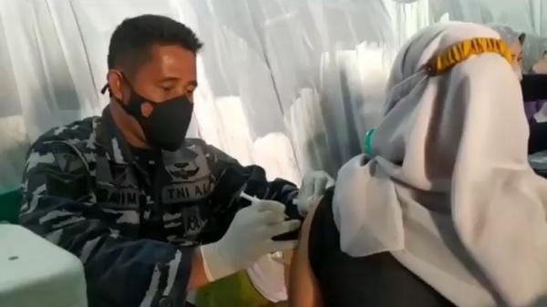 Capaian Vaksinasi di Cianjur Masih Rendah, TNI AL Gelar Serbuan Vaksin