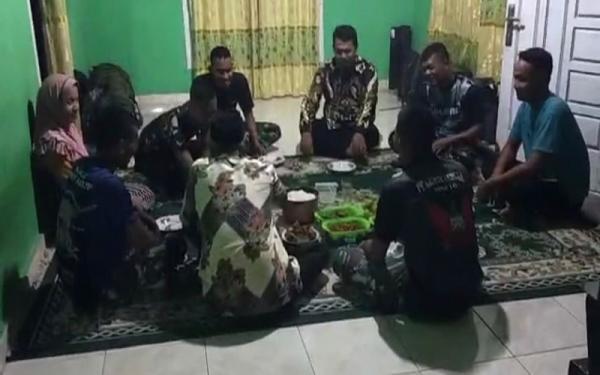 Keakraban Prajurit TNI di Lokasi TMMD, Makan Bersama hingga Jadi Anak Angkat Warga