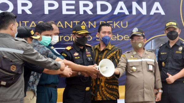 Gorontalo Ekspor Perdana Santan Kelapa Beku ke Tiongkok Sebanyak 24.300 Kg
