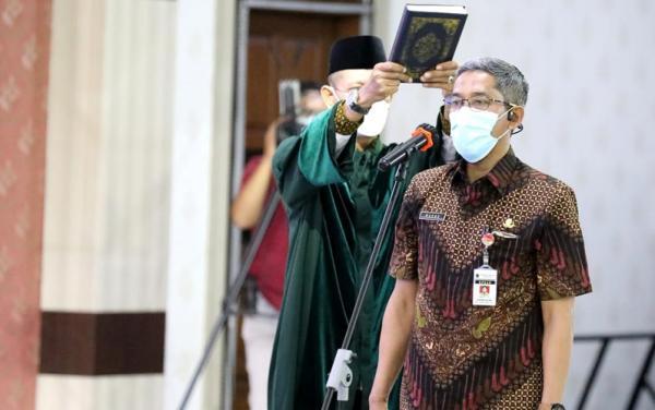 Lantik Sekda Jateng Hasil Lelang Jabatan, Ganjar  ke Sumarno: Segera Tancap Gas