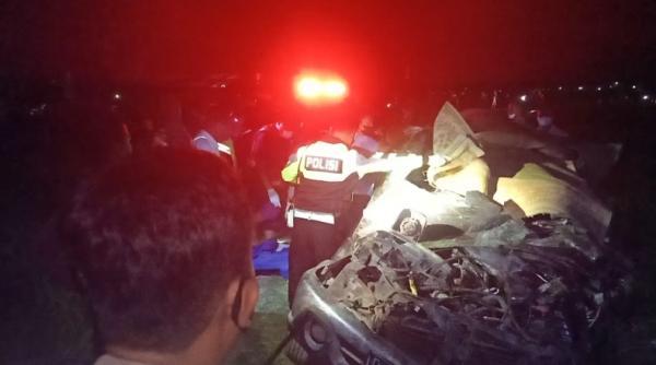 Mobil Tertabrak KA Gajayana di Sragen, 2 Tewas