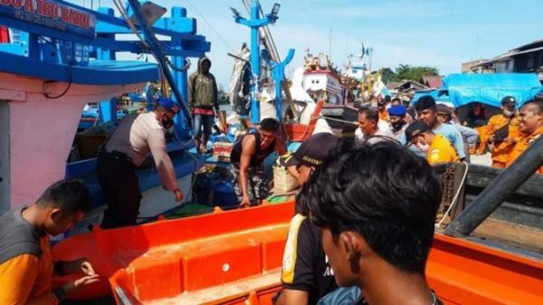 2 Nelayan yang Hilang Usai Ditabrak Kapal Tanker Ternyata Ayah dan Anak
