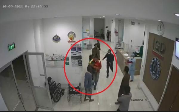 Video Viral Warga Serang Nakes hingga Rusak Fasilitas RS HKBP Balige Toba