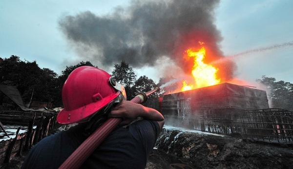 Kebakaran di Rokan Hulu, 5 Rumah Ludes Dilalap Api