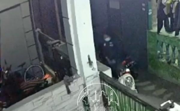 Pria Masturbasi di Motor Perempuan Terekam CCTV, Korban Syok Temukan Sperma di Jok