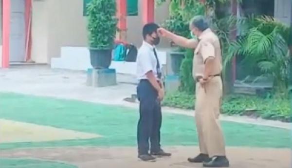 Viral Siswa SMP di Pekalongan Dipukuli Guru di Tengah Lapangan Sekolah