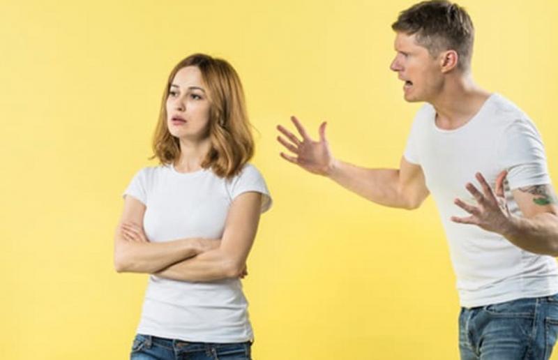 Lagi Konflik dengan Pasangan? Gunakan Pilihan Kata yang Tepat dan 3 Cara Ini
