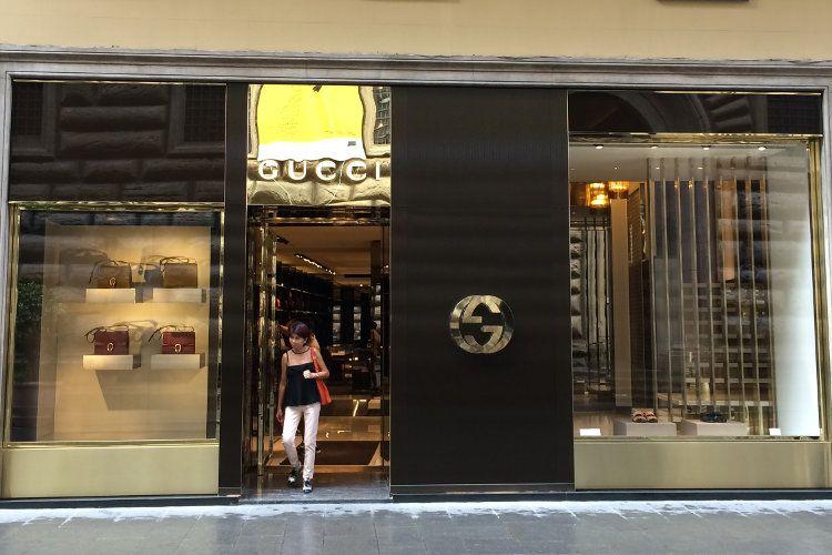 Otoritas Pajak Italia Gerebek Rumah Mode Gucci