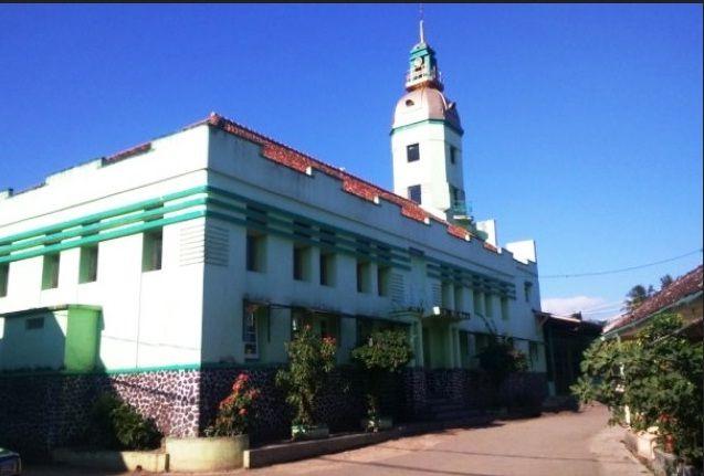 Unik, Desain Masjid di Indonesia Ada yang Mirip Gereja