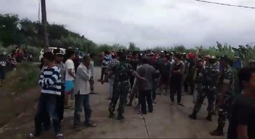Protes Jalan Rusak, Warga Rumpin dan Parung Panjang Hadang Dump Truck