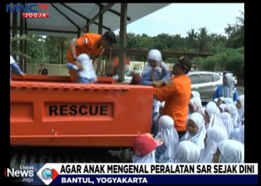 SAR Goes To School, Kenalkan Peralatan Penanganan Bencana pada Siswa