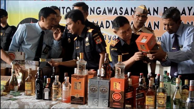 Bea Cukai Musnahkan Barang Impor Ilegal Senilai Rp8,9 Miliar