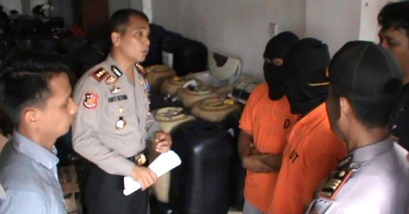Polisi Gerebek 2 Warga Gowa Timbun BBM, 2 Ton Solar Disita