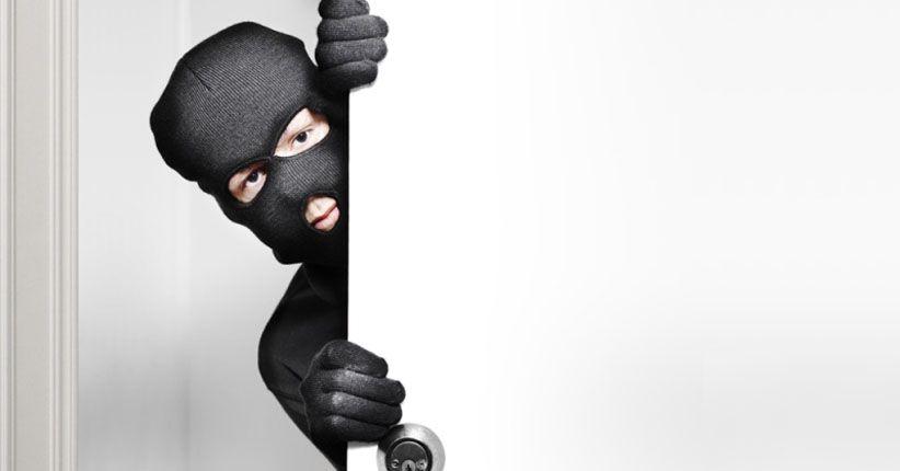 Terekam CCTV, Begini Aksi Komplotan Pencuri Modus Geser Tas di Mal Pejaten Village