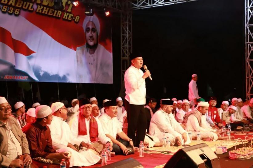 Sudrajat Hadiri Jawa Barat Bersalawat Bersama Ribuan Umat di Sentul