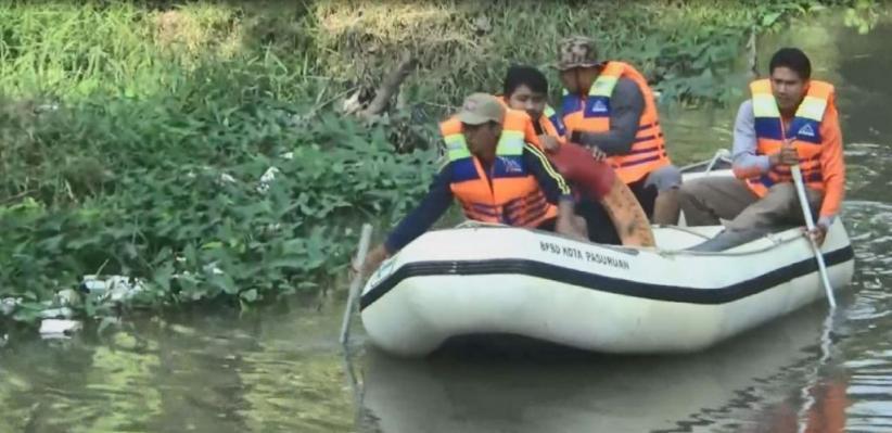 Becak Terjun ke Sungai Gembong di Pasuruan, 1 Tewas 1 Masih Hilang
