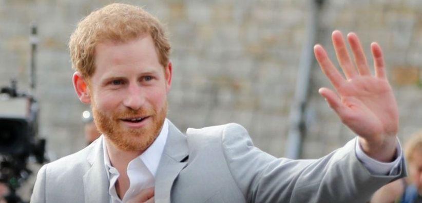 Pangeran Harry dan William Kejutkan Warga di Depan Istana Windsor