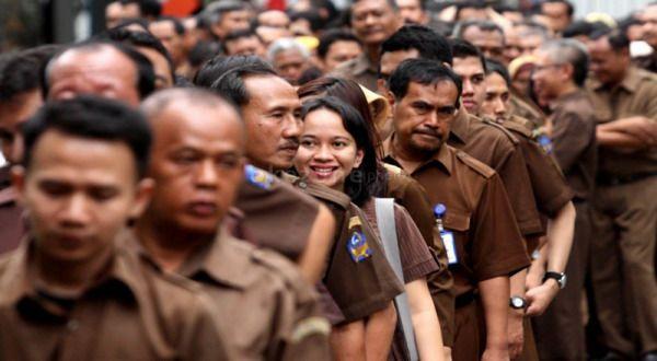 Besok Aktif Bekerja, PNS yang Bolos Bisa Kena Sanksi
