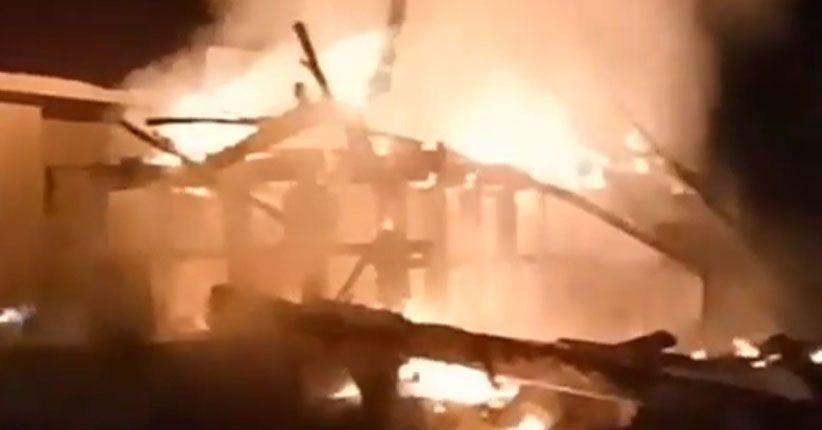 Ratusan Kios di Pasar Pendopo Muara Teweh Ludes Terbakar