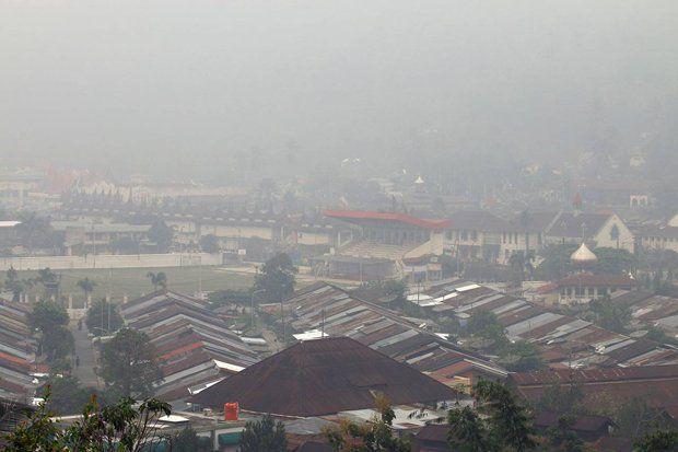 Kabut Tebal Ganggu Penerbangan di Kota Pekanbaru