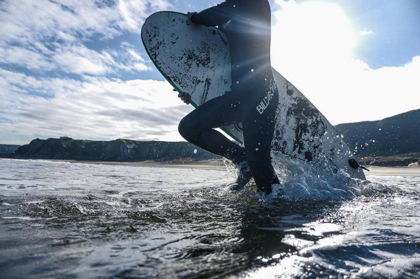 Pelatih Surfing Edarkan Ganja di Bali, Ditangkap saat Terima Paket dari Medan