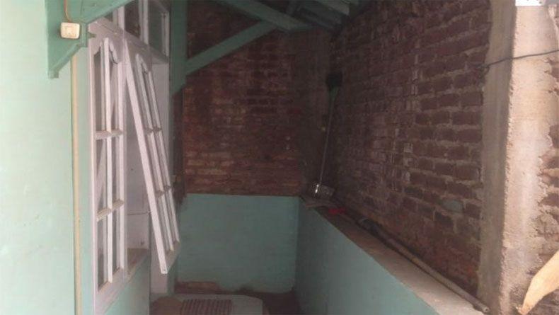 Penuturan Eko Pemilik Rumah yang Terkepung Tembok Tetangga di Bandung