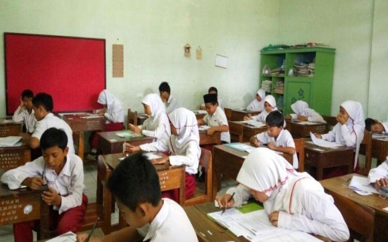 Siswa SD-SMP di Jambi Akan Ujian Semester di Sekolah