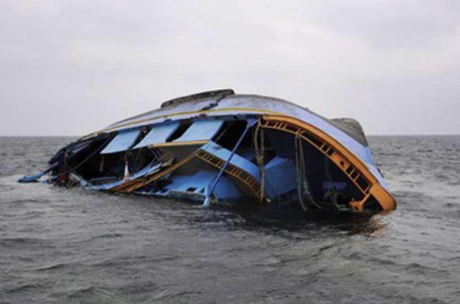 Sejumlah Perahu Pawai Kampanye Donald Trump Terbalik dan Tenggelam di Danau
