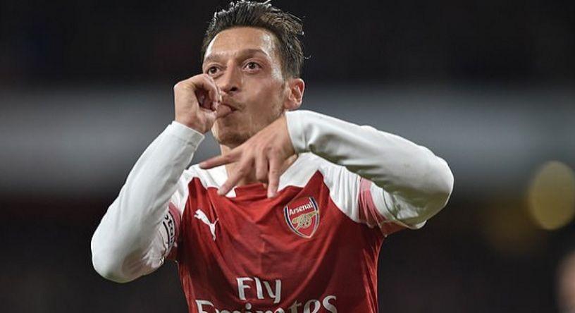 Oezil Berperan Besar atas Kemenangan Arsenal, Emery: Saya Terkesan